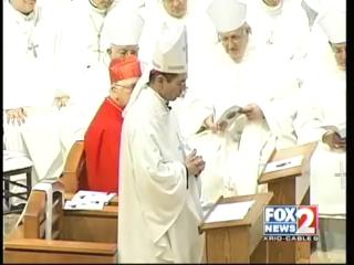 Special mass held to install a new Bishop